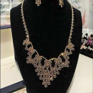 Beautiful lacy look necklace and earrings